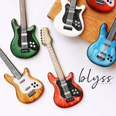 Music Cookies, Cute Cookies, Sugar Cookies, Guitar Design, I Site, How To Make Cookies, Zebras, Cookie Decorating, Stencils