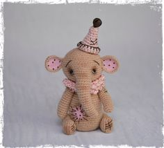 OOAK, Miniature, Amigurumi, Primitive Style, Thread Head© Artist Elephant by Debbie Grutzius of www.Pinsandpawsprimitives.blogspot.com
