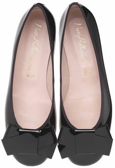Flat ballerina with a round toe