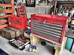 Garage tool chests ready for a bit of a tidy up and placed on roll cabs. Ammo tool box in front for going mobile!!