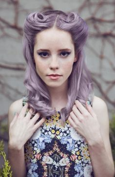 Love the retro/pinup hairstyle, and love the color!