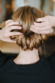 Festive holiday hairstyles to try this weekend!