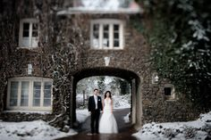 Matt Shumate Photography bride and groom portrait in the winter at Arbor Crest winery in the snow