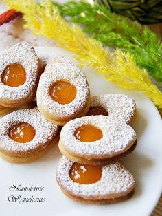 Nastoletnie Wypiekanie: Wielkanocne jajeczka z dżemem No Bake Desserts, Dessert Recipes, Polish Recipes, Polish Food, Doughnut, Cookie Recipes, Peach, Easter, Candy