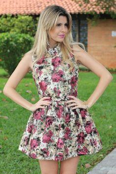 looks com vestidos floridos - Pesquisa Google
