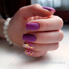 Looking for easy nail art ideas for short nails? Look no further here are are quick and easy nail art ideas for short nails. Matte Nails, Glitter Nails, Fun Nails, Acrylic Nails, Coffin Nails, Gradient Nails, Holographic Nails, Stiletto Nails, Purple Glitter
