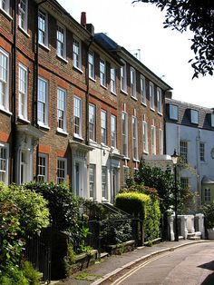 Georgian Houses in Sion Road, Twickenham, London. One of the oldest and best preserved houses in the street - http://patrickbaty.co.uk/2013/09/14/sion-row-twickenham/