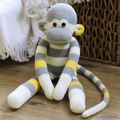 An ultimate tutorial to diy your own sock monkey.and lots of other sock toys! Craft Tutorials, Craft Projects, Sewing Projects, Craft Ideas, Sewing Tips, Sewing Tutorials, Sewing Patterns Free, Free Sewing, Free Pattern