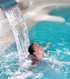 Termal kaynak suyu ile banyo yapmak kan dolaşımındaki oksijeni arttırdığından, hücreleri tazeler ve yaşlanmayı azaltır. #beauty #thermal #health #water #elixirofyouth #dew #hattuşa #attractive #healthful #salutary #termal #sağlık #gençkalmak #çekici #kaynak #güzellik #hücre #oksijen