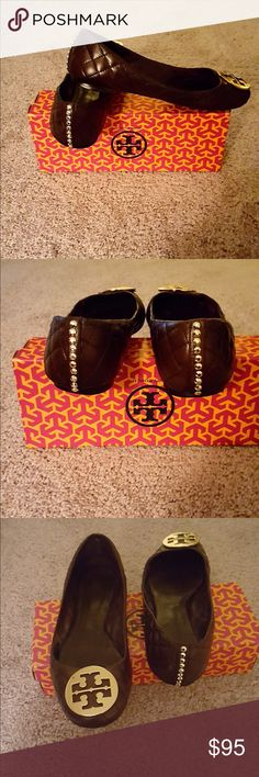 TORY BURCH QUILTED LEATHER FLATS(10M) PRE-LOVED WITH A LITTLE BLING! VERY NICE FOR THE PRICE!! Tory Burch Shoes Flats & Loafers