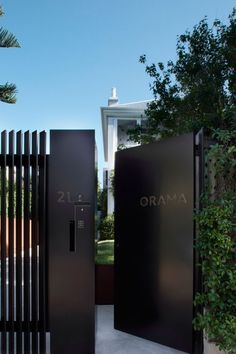 New exterior house entrance gates ideas House Gate Design, Fence Design, Door Design, Exterior Design, Front Gate Design, Steel Gate Design, Front Gates, Entrance Gates, House Entrance