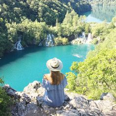 Plitvice lakes have been high on my bucket list for a long time I'm so very happy to have ticked them off today. Worth the 5am start to have views like this to ourselves by farfelueparis