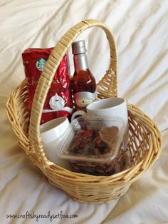Coffee Gift Basket for the hostess Hostess Gifts, Holiday Gifts, Christmas Gifts, Holiday Ideas, Xmas, Cool Gifts, Best Gifts, Awesome Gifts, Craft Gifts