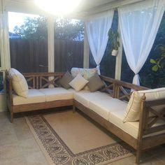 Outdoor Sofa, Outdoor Furniture Plans, Backyard Furniture, Pallet Furniture, Furniture Ideas, Furniture Makeover, Furniture Storage, Furniture Layout, Rustic Furniture