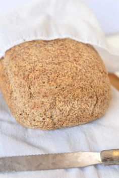 Keto bread loaf No Eggs, Low Carb with coconut flour, almond meal, psyllium husk and flaxmeal. A delicious easy keto sandwich bread with only g net carb per slice to fix your sandwich craving with no guilt! Bread Recipe Without Eggs, Easy Keto Bread Recipe, Best Keto Bread, Lowest Carb Bread Recipe, Low Carb Bread, Bread Recipes, Low Carb Recipes, Healthy Recipes, Recipe Breadmaker