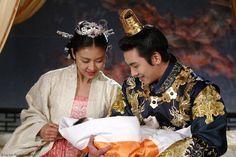 Korean Tv Series, Ha Ji Won, Kdrama Memes, Korean Hanbok, Beautiful Costumes, Thai Drama, Ji Chang Wook, Cool Costumes, Couple