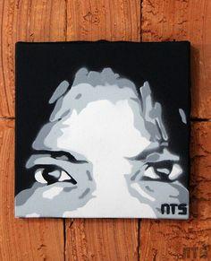 Quadro Face Olhos em tecido artístico 100% algodão com pintura em tinta acrílica, tecnica de stencil.  Envernizado para melhor proteção e durabilidade.  Dimensões: 15x15cm.    Facebook: NTS art Instagram: nts_art  Email: nts.stencil@gmail.com  Loja online: http://www.elo7.com.br/nts  #arte #art #stencil, #stencilart, #quadro, #tela #canvas #decoração, #decor, #design, #pintura #casa #parede #NTSart #painting #decoration