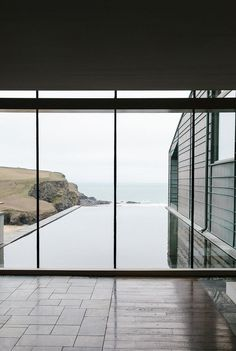 the incredible window and stunning view #architecture –  http://minimalism.co