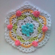 Crochet potholder  This is cute!  like the colors