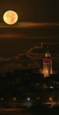 Full moon over Istanbul, Turkey