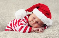 Christmas baby by Anne Geddes Baby Christmas Photos, Newborn Christmas, Babies First Christmas, 1st Christmas, Xmas, Sibling Christmas Pictures, Cute Babies, Baby Kids, Baby Boy