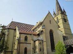 Imagini pentru pasajul scolii sibiu Notre Dame, Mansions, House Styles, Building, Travel, Home Decor, Viajes, Decoration Home, Room Decor