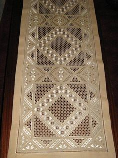 """Type of Hardanger calls """"Antep İşi"""" by Marie-Claire Pirson"""