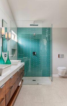 türkis wand im badezimmer - moderne blaugrüne fliesen | ap57, Wohnzimmer dekoo