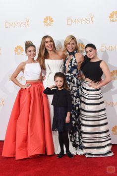girls of modern family at the red carpet emmys 2014