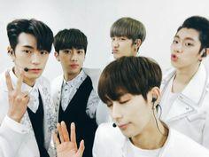 Seungjun, Inseong, jihun, Heejun and Youjin