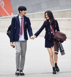 Bad Girl x Popular Boy [slow up] Korean Uniform School, School Uniform Outfits, Korean Outfits School, Ulzzang Couple, Ulzzang Korean Girl, Couple Aesthetic, Aesthetic Clothes, Korean Best Friends, Korean Couple