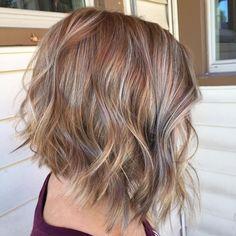 Inverted Bob Haircuts, Choppy Bob Hairstyles, Haircuts For Fine Hair, Cool Haircuts, Pretty Hairstyles, Short Haircuts, Layered Hairstyles, Short Thin Hair, Short Hair Styles