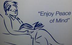Aha, jemand geht einer vergnüglichen Aktivität nach. Er liest ein Buch. Da gibt niemand irgendwem einen Blowjob. Es liest nur jemand ein Buch.