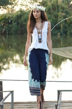 Boho culottes Soft printed culottes by Elevenses. There is a small tear in the right leg (pictured) but otherwise in good shape. Boho Fashion, Womens Fashion, Fashion Design, Fashion 2014, Hippie Style, My Style, Boho Style, Summer Outfits, Cute Outfits