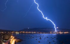 How to Photograph Lightning | Discover Digital Photography