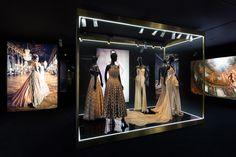 """Exposition Esprit Dior Tokyo - """"J'adore"""" http://www.vogue.fr/culture/a-voir/diaporama/l-exposition-esprit-dior-en-10-cliches-par-florence-mueller/21522/image/1119274#!exposition-esprit-dior-tokyo-quot-j-adore-quot"""
