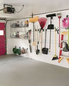 Organizing a garage isn't a one-size-fits-all project, so we've compiled some of our best garage storage ideas. Check out these tips to find ways to make your garage more organized and better to use. Maximize your garage storage space quickly . Garage Wall Organizer, Garage Storage Racks, Garage Organization, Diy Storage, Organization Ideas, Organized Garage, Storage Room, Storage Shelves, Wooden Work Bench
