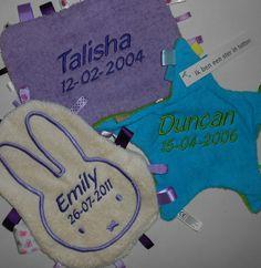 Labeldoekje met naam geborduurd http://www.borduurkoning.nl/shop/baby_artikelen
