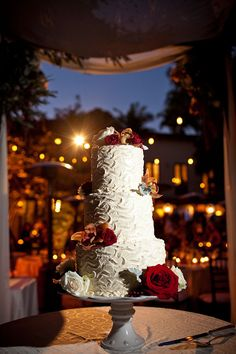 ► Pastel de boda floral. #pasteles #boda