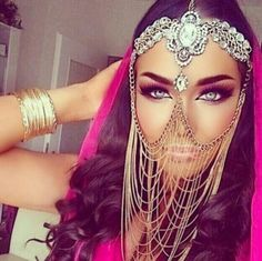 Imagen de eyes, makeup, and make up Arabian Makeup, Arabian Beauty, Arabian Eyes, Arabian Women, Arabian Nights, Beauty Makeup, Eye Makeup, Hair Makeup, Halloween Make Up