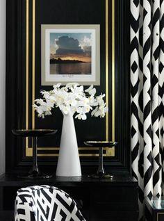 Diane Von Furstenberg designed suite for Claridge's Hotel in London. Let's Get Started For Great Decoration Ideas:Masculine Bathroom Decorat. Design Suites, Black And White Interior, Black White, Farmhouse Side Table, Cute Dorm Rooms, Design Blogs, Design Projects, White Decor, My Living Room