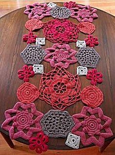 Table runner, crochet, doily.