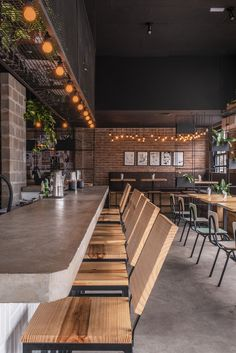 Gallery of Jolly Gastro Lab Bar / Laje 54 Arquitetura - 7 Cafe Industrial, Industrial Restaurant, Cafe Restaurant, Bar Interior Design, Cafe Interior, Cafe Design, Pizzeria Design, Small Restaurant Design, Rustic Cafe