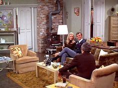 The Mary Tyler Moore Show Apartment Was the Epitome of Single Girl Cool: gallery image 4 Girls Apartment, Single Girl Apartment, Mary Tyler Moore Show, Welcome To My House, Lounge, Beth Moore, Attic Spaces, Small Spaces, Cool Apartments