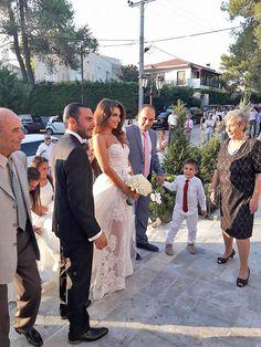 Στολισμός Εκκλησίας με λουλούδια Bridesmaid Dresses, Wedding Dresses, Fashion, Bridesmade Dresses, Bride Dresses, Moda, Bridal Gowns, Fashion Styles, Weeding Dresses