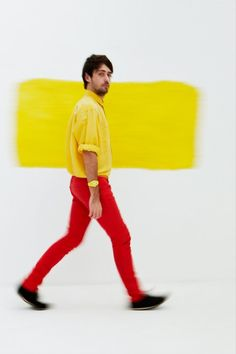 red and yellow Mens Fashion Suits, Red Color, Color Mixing, Color Combinations, Menswear, Feminine, Poses, Fashion Design, Men's Fashion