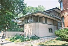 Frank Thomas House (210 Forest Avenue) Oak Park, IL.1901. Frank Lloyd Wright. By FLW's description this was the first Prairie Style building