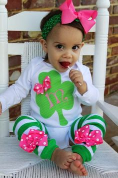 St. Patrick's Day Outfit -- Irish Sweetie -- Shamrock personalized onesie -- hot pink and green leg warmers -- order by 3/2