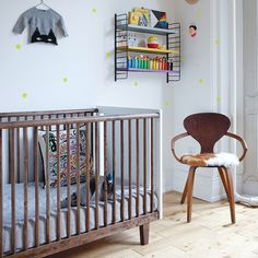 Oeuf Rhea Crib with Coco Mat The Oeuf Rhea Cot Bed offers a sleek look and high quality construction. The warm wood tones and matte white combine beautifully to fit any nursery decor. Made from sustainably sourced wood and finished with non-toxic, water Small Furniture, Nursery Furniture, Furniture Sale, Cot Bedding, Crib Mattress, Baby Crib Designs, Best Baby Cribs, Kids Bunk Beds, Convertible Crib