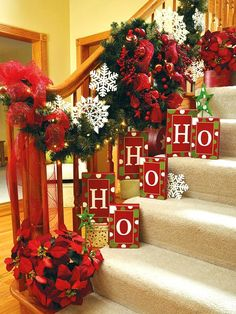 Love this Christmas Staircase Decor